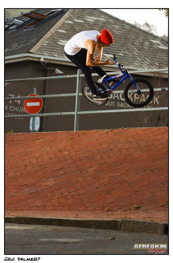 throwing the bars  afreakin.blogspot.cpm Eric Palmer©