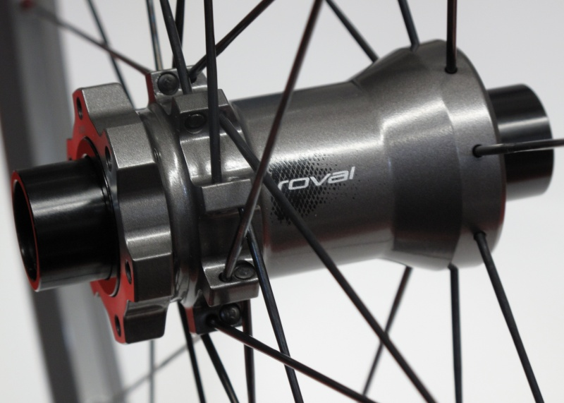 Roval EL front hub equipped with 20 mm adapters