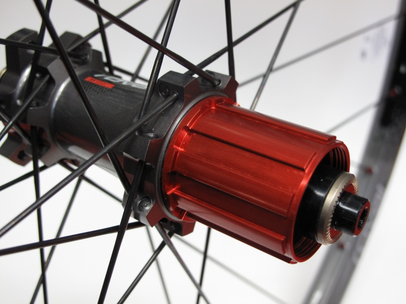 An aluminum freehub body has a large part in the EL's low weight