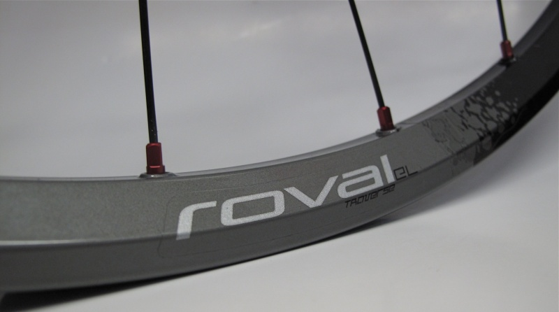 The Roval EL rims use eyelets and anodized aluminum nipples