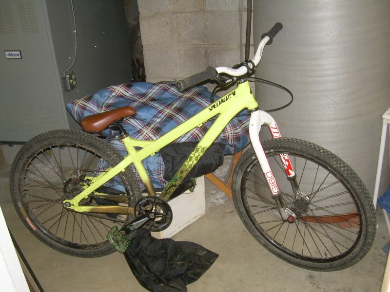 2009 specialized p3. atomlab fork and pedals. spank bars.