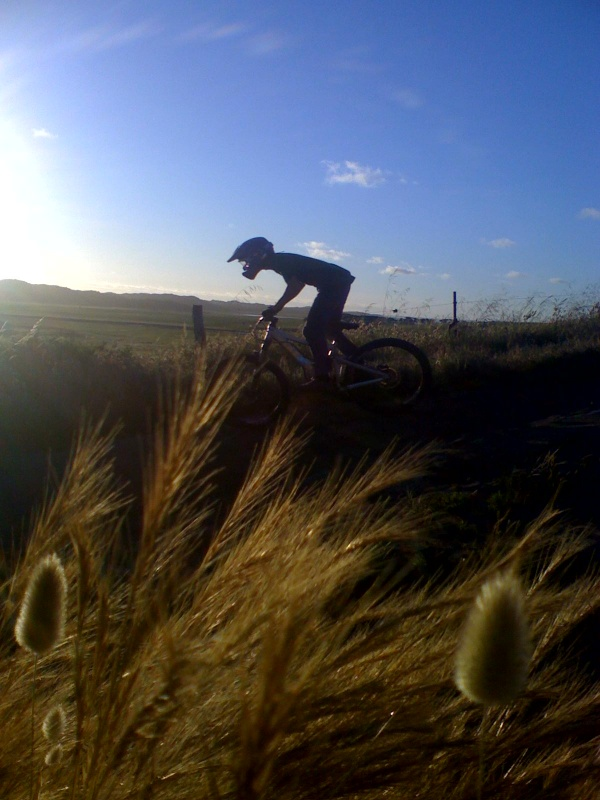 prob the closest thing to downhill in warrnambool :)  have to give credit to my mate Alex Averchenkov 4 takin these pic's