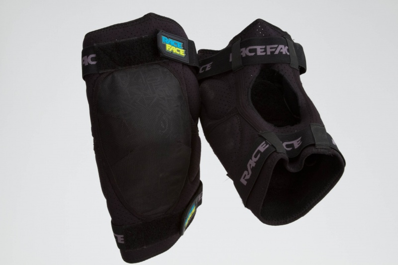68376301c73 -Race Face Ambush d3o Knee Pads ( 100 USD)- available mid March 2010