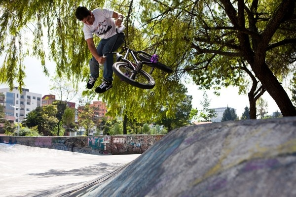 """Downside tailwhip  Don't mind the """"no helmet"""" thing"""