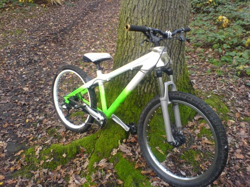 this is my dj bike its a felt straight shot 24 inch wheels it flys