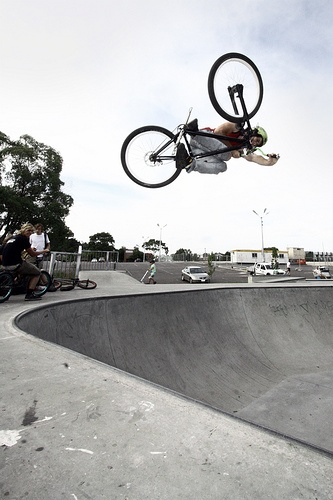 Invert airs in this bowl are damn scary, but when you land them, they are damn amazing!    Photo - Cam Yazxhi