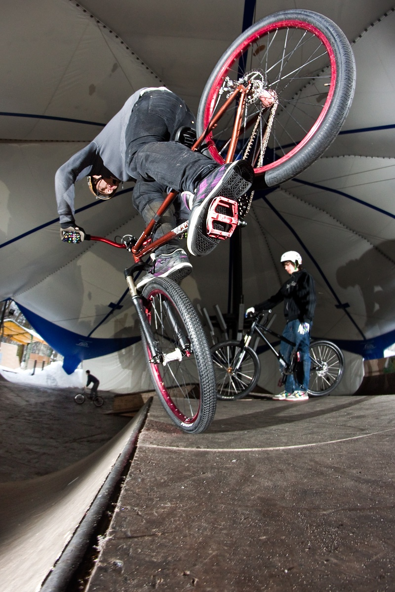 Maro riding Quinnie frame in Jutrzenka skatepark dartmoor-bikes.com