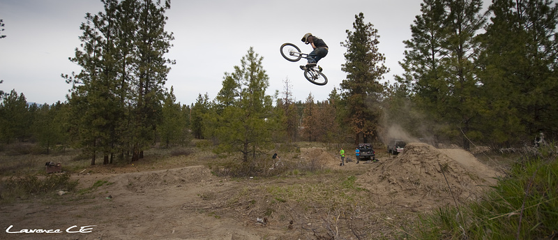 Keets sending it on the hip - Laurence CE - www.laurence-ce.com