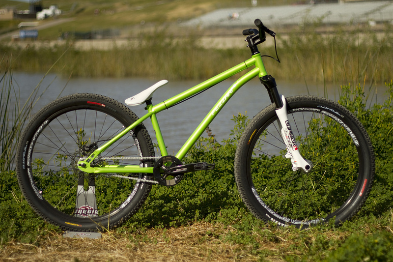 Fezzari 801 Djx1 Dirt Jump Bike Check Sea Otter 2010 Pinkbike