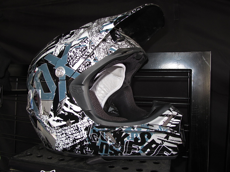 Fox VR3 Carbon helmet