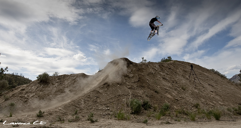 Chris going big on the hip at the ranch - Laurence CE - www.laurence-ce.com