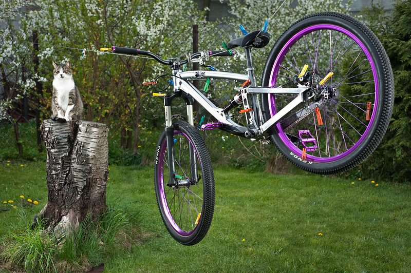 Bike assembled on Shine frame. Total weight of this full suspension bike is only ... 11,8kg.