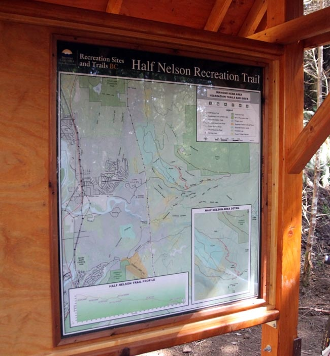 - Trailhead sign.  Picture by Lee Lau -