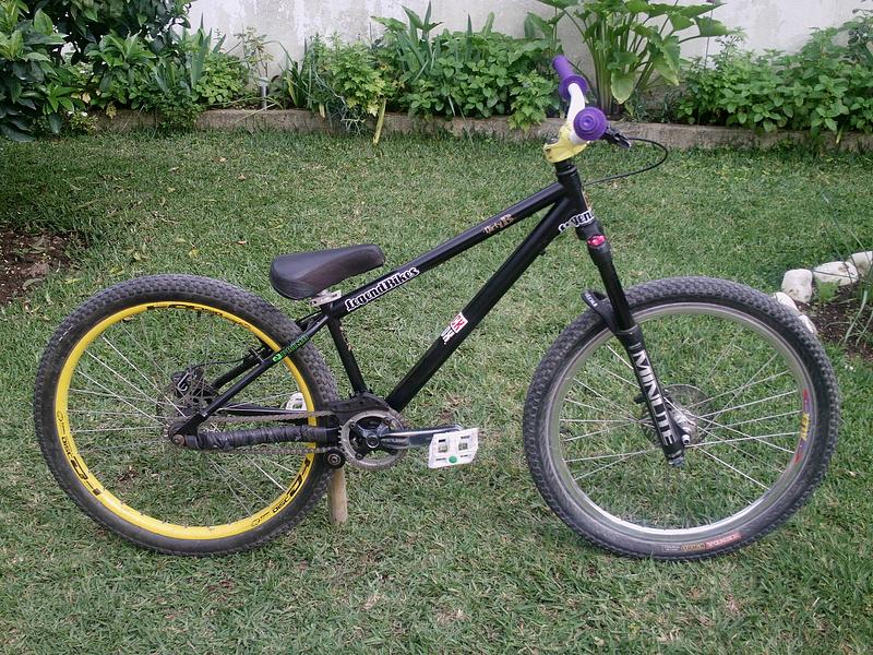 """Bike do alex com os novos """"upgrades"""" :p"""