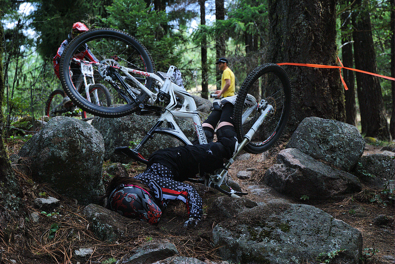 Ashland Spring Thaw DH 2010. Pro Women mishap in the rock garden. Photo by Zak Owens (PB user: djzmowens) on a Nikon D40x