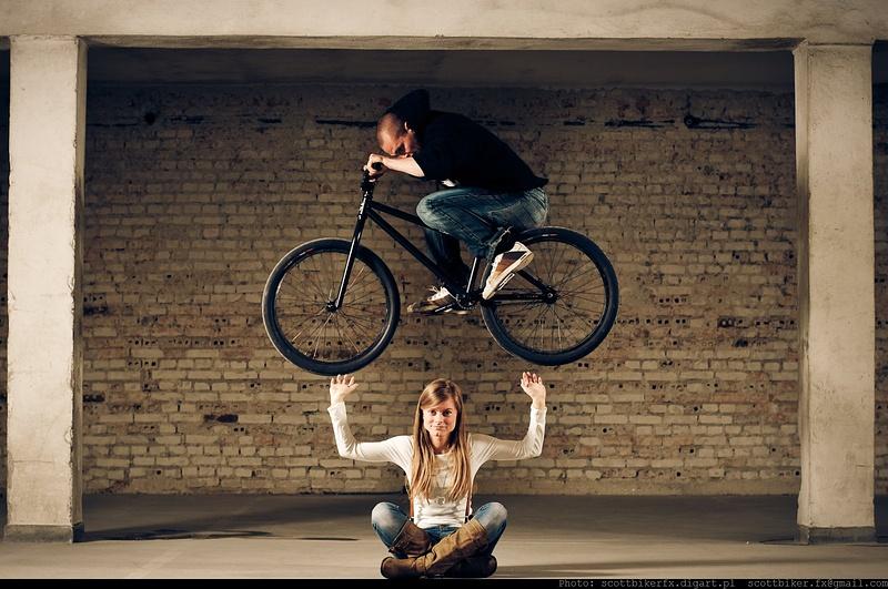 So light or so strong... http://bikeboard.pl/index.php?d=tematy&g=27&art=4148 http://www.facebook.com/DariuszDanielekPhotos