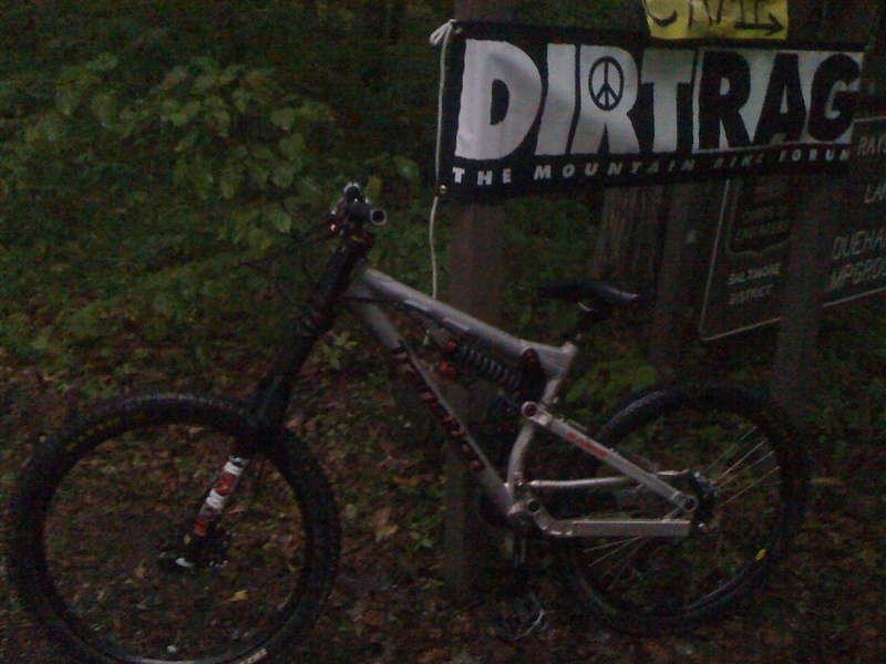 dirt fest 2010. trek, moots, yeti, felt, 9er and a bunch of other stations came. awesome time!