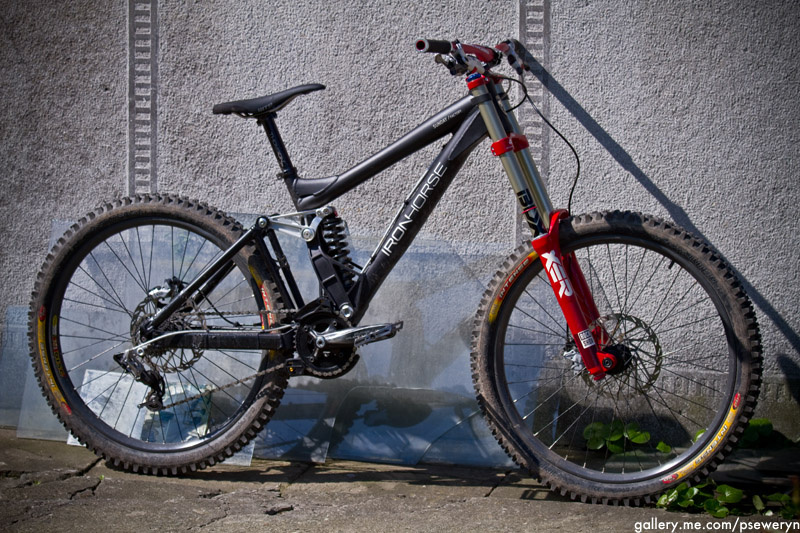 Rebuilded ride. Few New parts, better performance. Iron Horse Sunday Factory + Rock Shox BoXXer Team