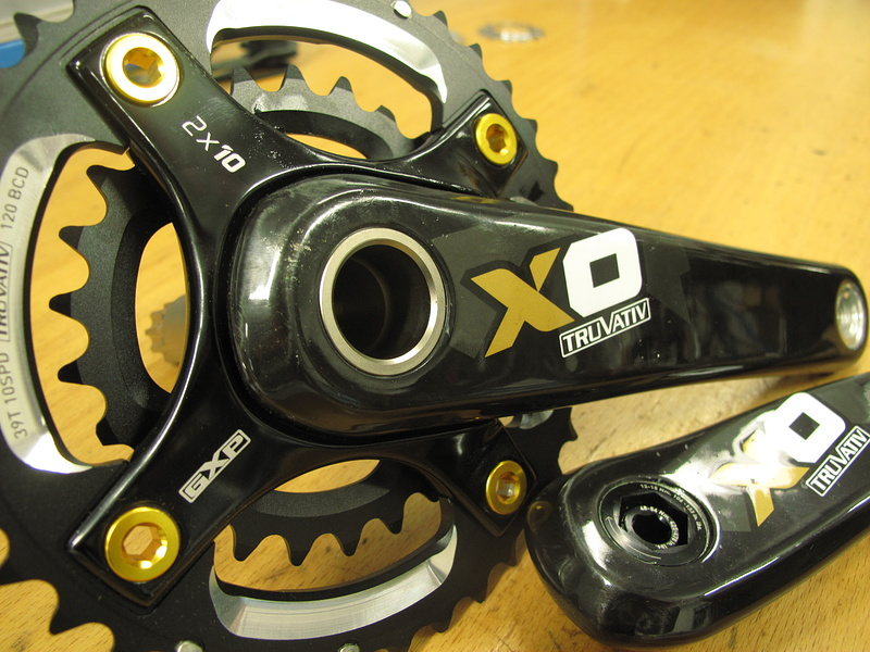 The new X.O. carbon cranks are hollow and filled with a rigid foam