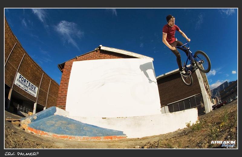 wallride 180 http://www.sundaybikes.com/v3/2010/05/11/stephen-savage-photo/#comments  afreakin.blogspot.com Eric Palmer©