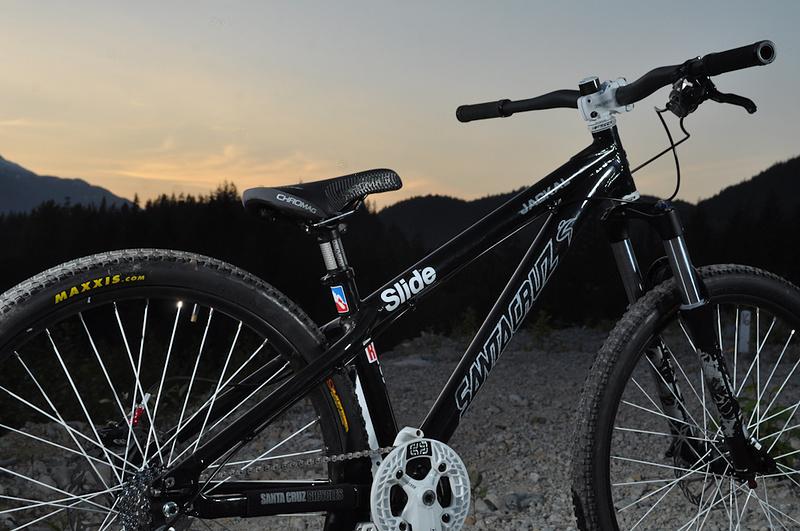 Miranda's play bike, a Santa Cruz Jackal - Photo by David Fournier