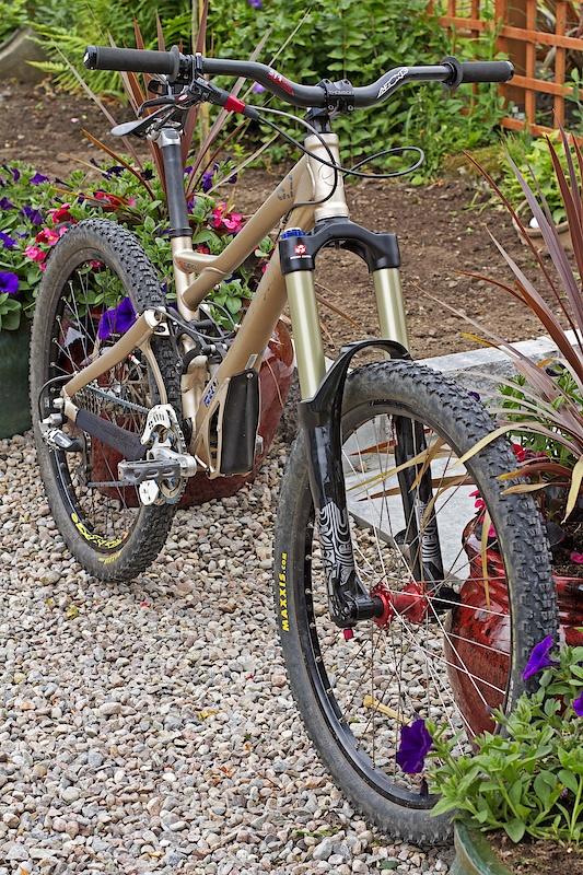 New bike 33/34lbs new seatpost should be here soon