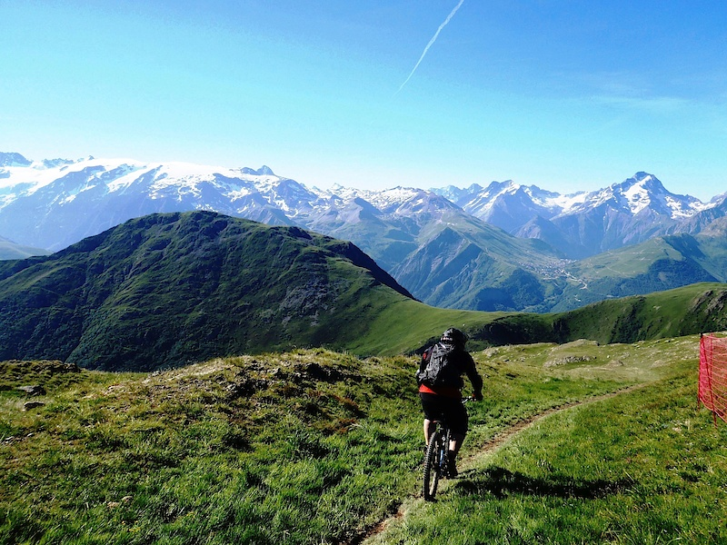 Riding the long stretch of singletrack!