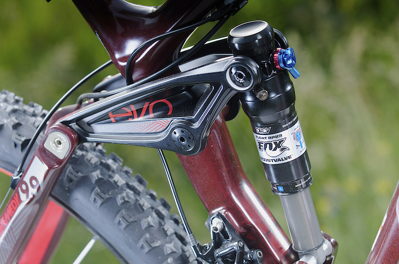 The one piece EVO link activates a custom tuned Fox RP23 DRCV shock - a lot of technology in a little package