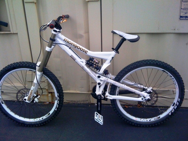2010 Mongoose Bootr team