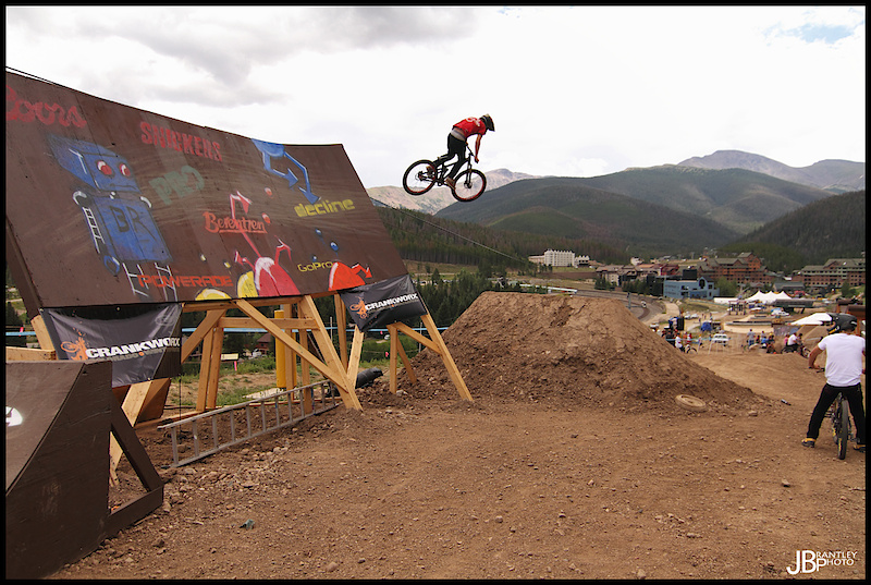 Wyper going right into the wall ride.