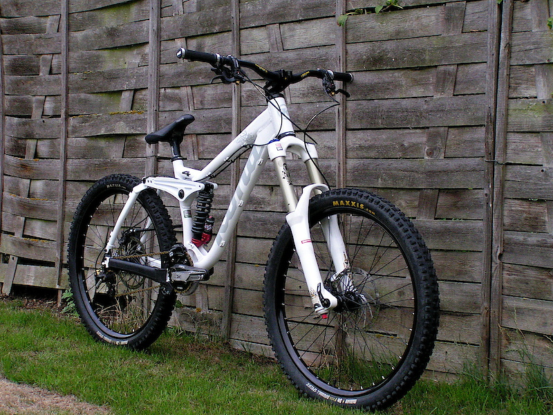 She's ready! New fork.  Totem coil 2010