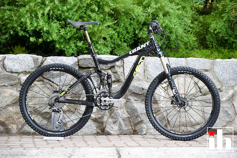 2011 Giant Reign 0 First Look Pinkbike