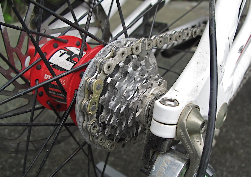 Fairclough's '11 Demo only has six cogs out back, which isn't news... but the fact that the small cog only has 9 teeth is damn interesting. Last week you read all about his special 1 x 6 cassette and 31 tooth chainring, now you can listen to the audio as well.