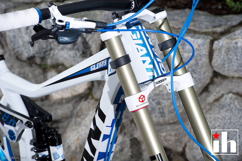A color matched Boxxer Team fork uses the same internals as the more expensive World Cup, but requires less maintenance over time