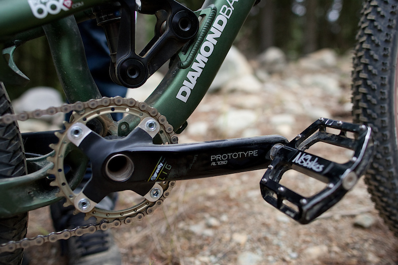 The green machine is a bike nerds wet dream. Hung off the prototype slopestyle frame are FSA's prototype Gravity Light cranks.