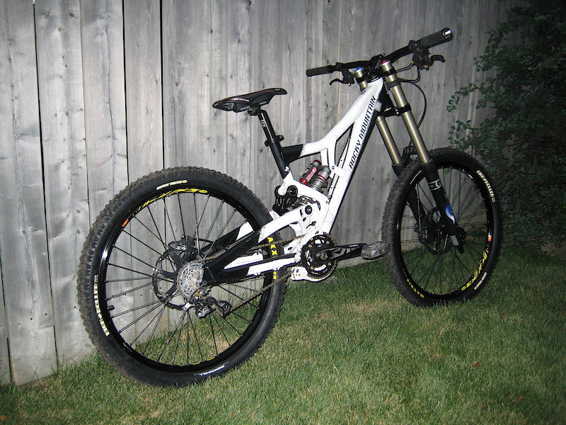 This is how I've been riding it all season, Black 40, black seat and an Elka with a ti spring