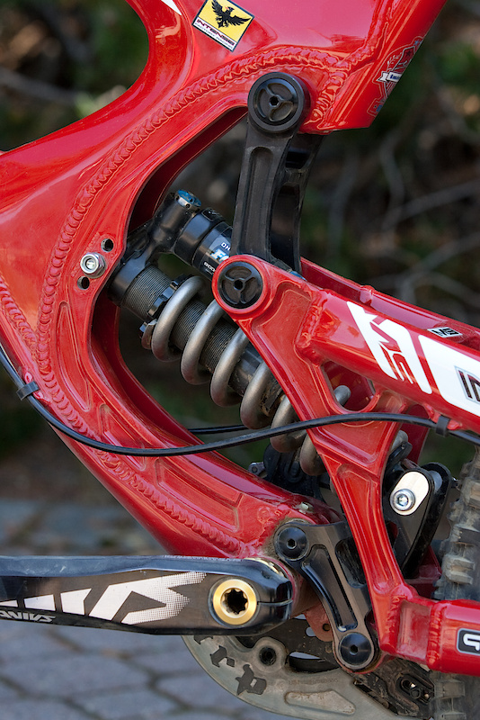 The M9 FRO uses the same proven VPP suspension design to devour bumps and holes while still being able to sprint with the best, but it sees more built in adjustability than any other Intense before it.