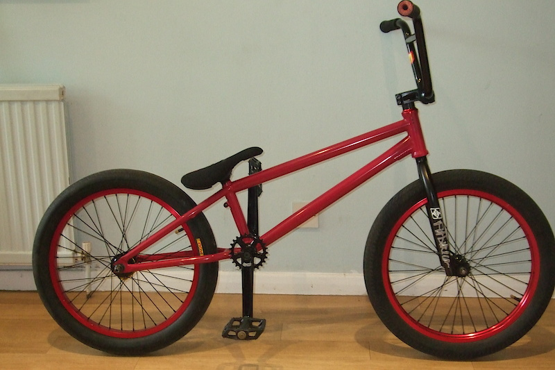 My bike, New rear tyre- Primo E-comet folding, New fit bike co shiv forks, New Abike co Hamilton Pedals,