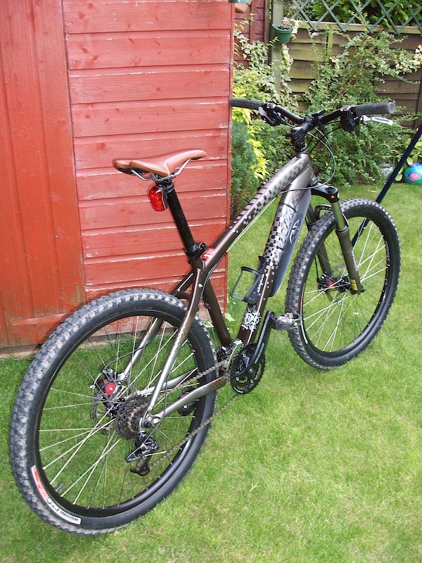 Just some pics of the Specialized....