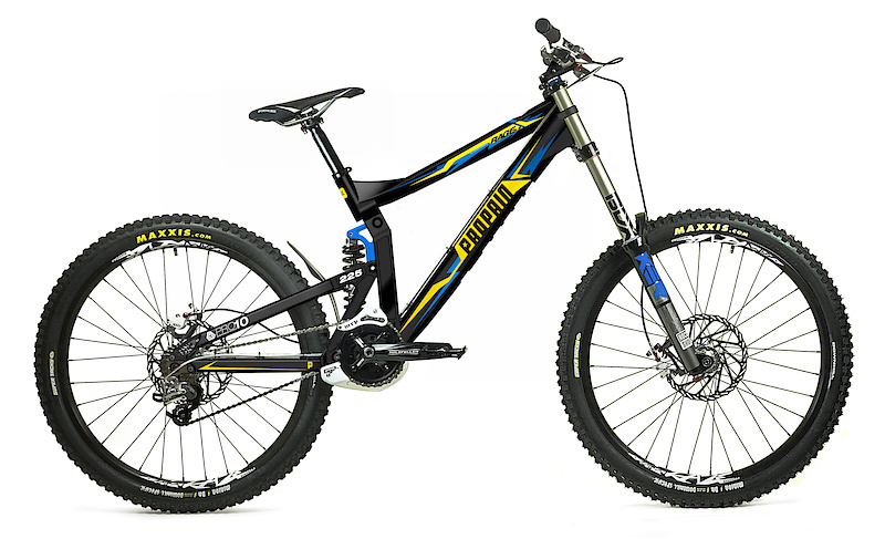 The 2011 Propain Rage gets a number of changes, including a lower bottom bracket, a bit less travel (from 245 mm to 225 mm), and the projected frame weight is a full pound less than the current version.