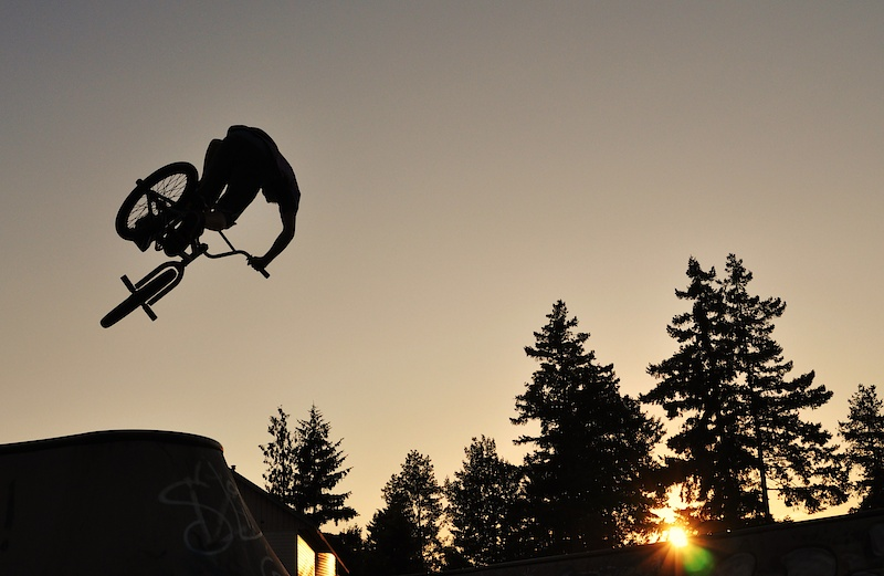 cody airing the hip in the bowl