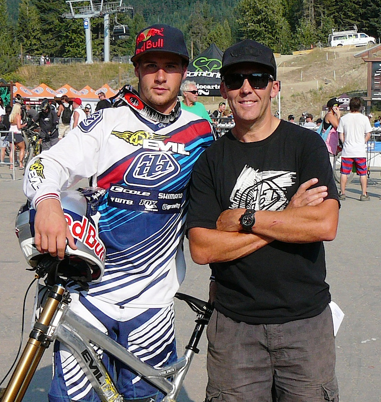 Stevie Smith with his trainer and PerformX owner Todd Schumlick.