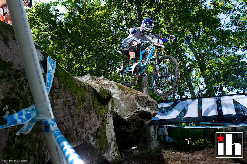 Gee Atherton, only Minaar can beat him now for the overall, it all comes down to Sunday. Gee or Greg, winner take all...