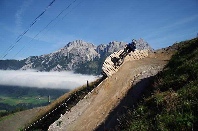 flying gangster bikepark leogang.