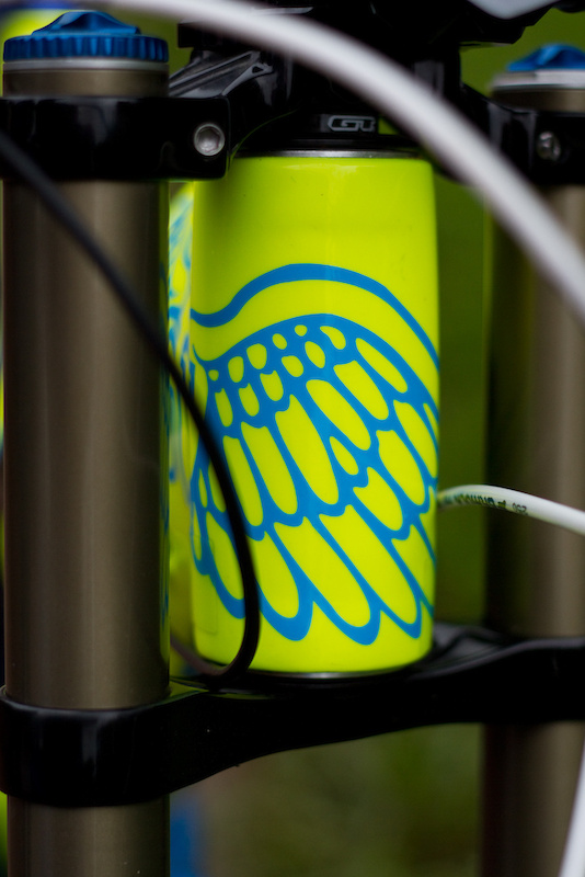 You have to love those wings. The Fury's 1.5 headtube accepts different offset headset cups<br />that allow it to be slackened off to 63.5 degrees if the terrain demands it. The stock setting<br /> has the bike sitting at 65 degrees.