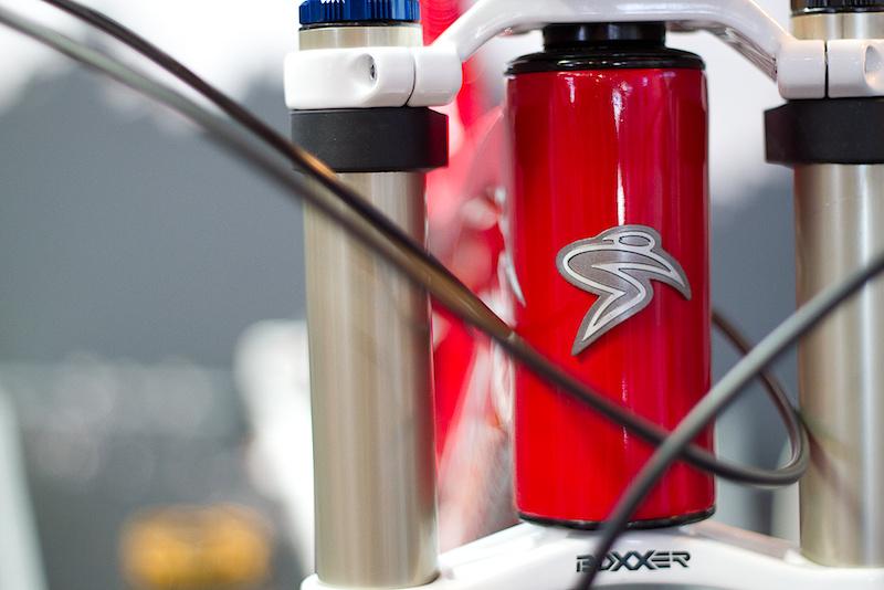 Images of the new Carbon Santa Cruz v10. Head angle adjust.