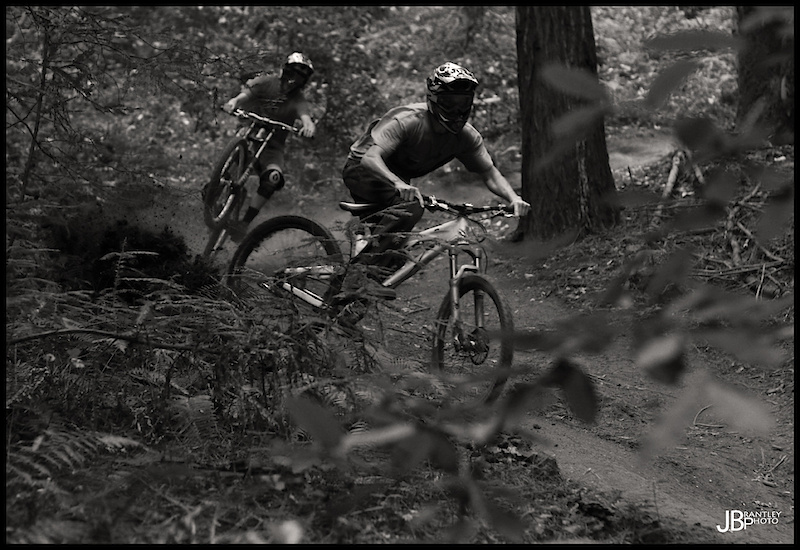 Training some trails! Cob roosting it and Iggz coming in hot!
