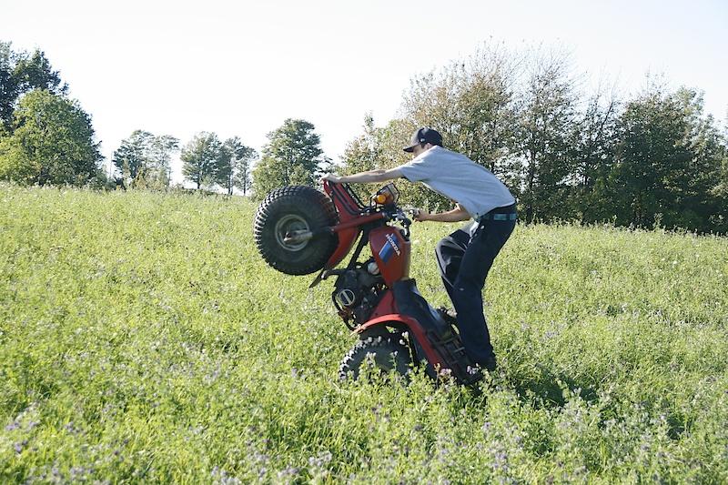 How to properly operate a 3-wheeler. Braaaaaaaaap.