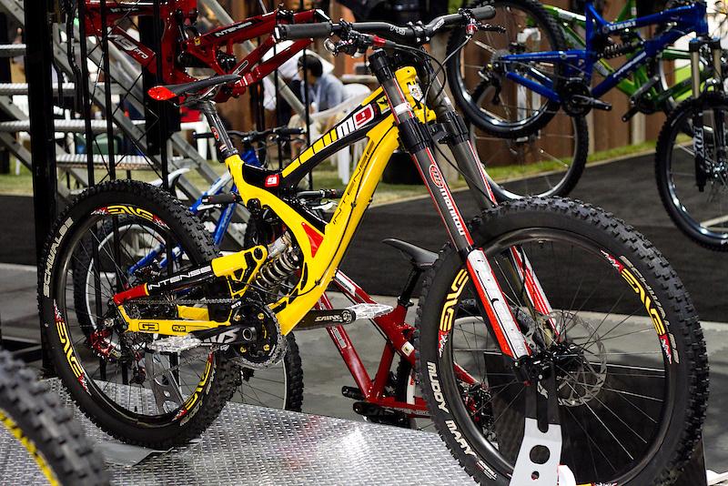 M9 f1 yellow