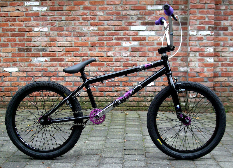My new Haro F4, more purple parts coming next week...